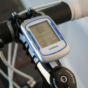 Garmin 500 GPS bike computer - screen 1 set for road riding