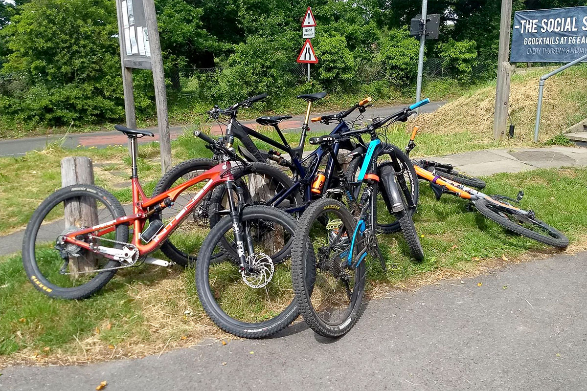 Bikes humping