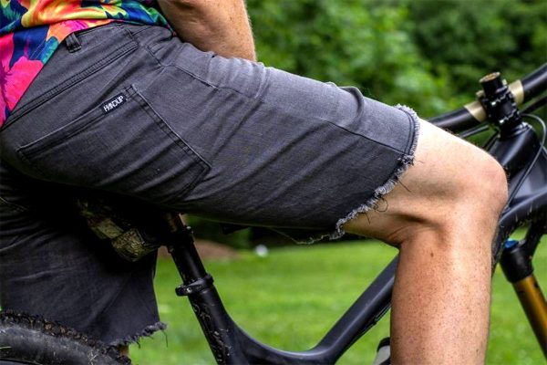 Handup stretch black denim shorts