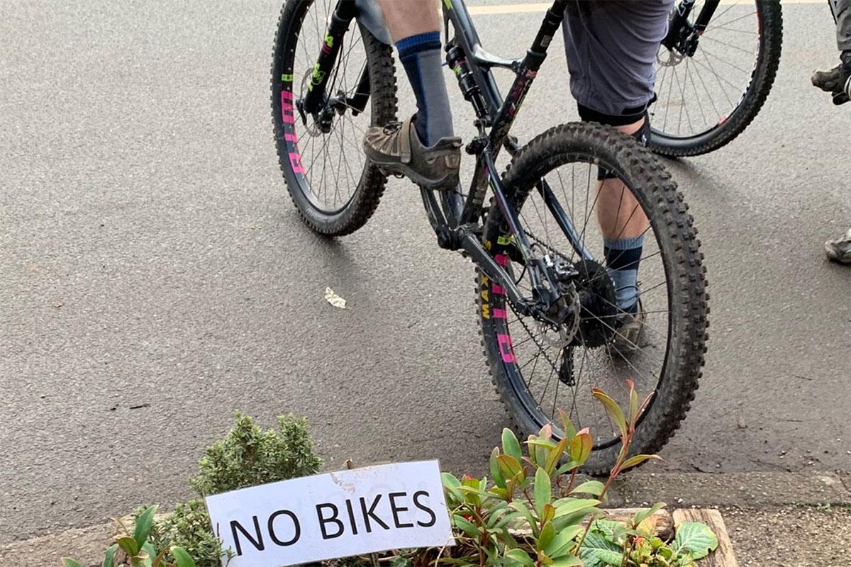 No bikes! Clear?!